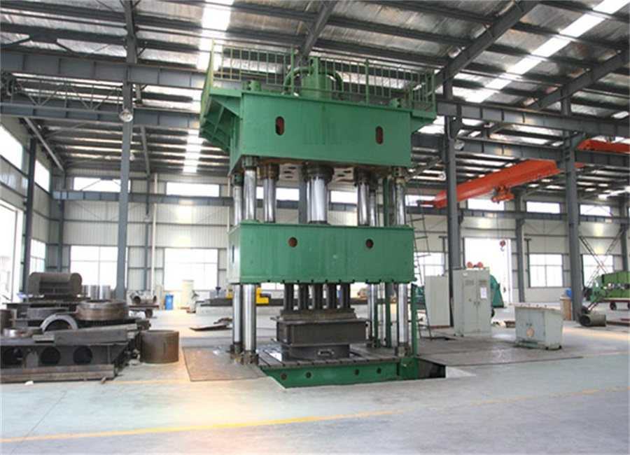 Hydraulic press forming tubular parts machine